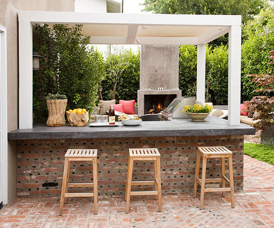 12 Outdoor Bar Ideas