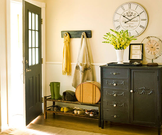 Small-Space Entryway
