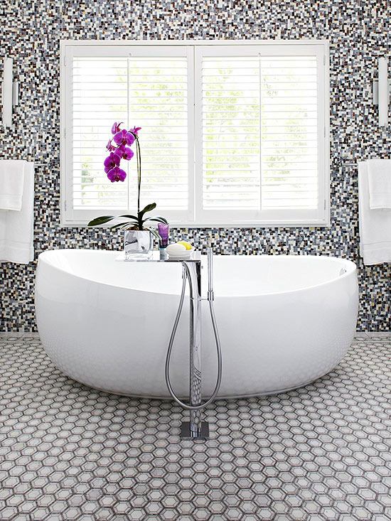 A Contemporary Tiled Bathroom