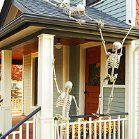 Creative Outdoor Skeleton Displays
