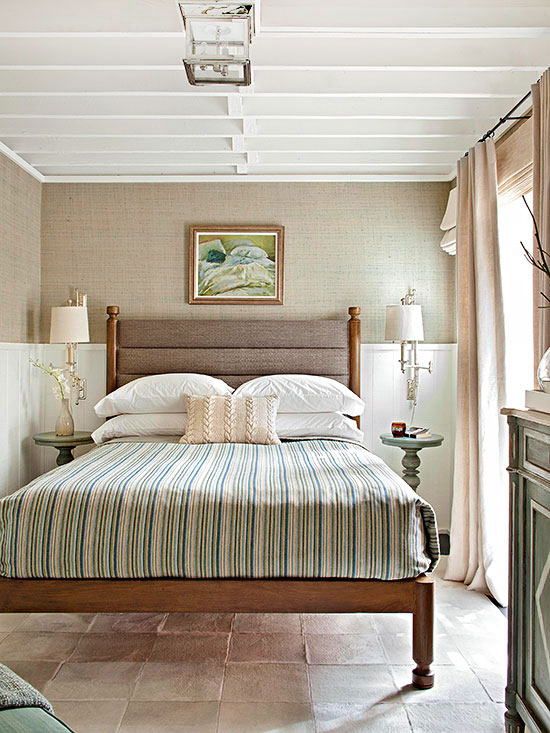 Add Contrast to Beige with Crisp White. What Goes with Beige Walls