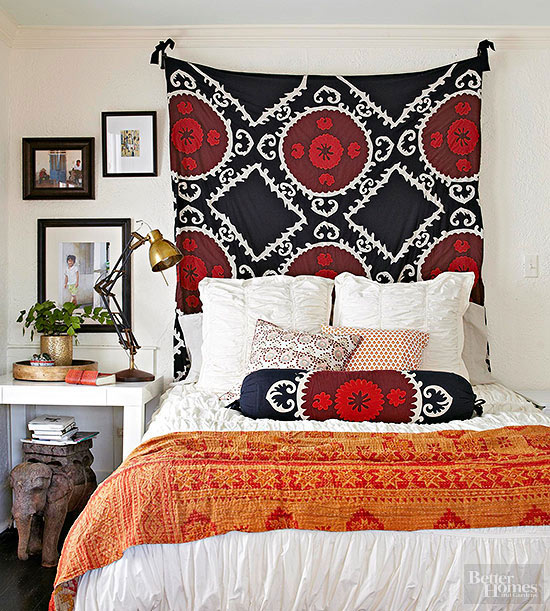 Small Room Decorating Doesnu0027t Have To Be Difficult. Our Best Advice On How  To Organize A Small Bedroom? Add One Piece Of Drama. In This Bedroom, A  Suzani ...