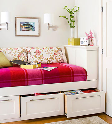 Organize This: Dorm Room
