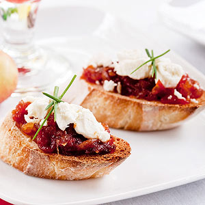 Feta Crostini with Tomato, Bacon, and Apple Jam