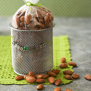 Roasted Pumpkin Pie-Spiced Almonds