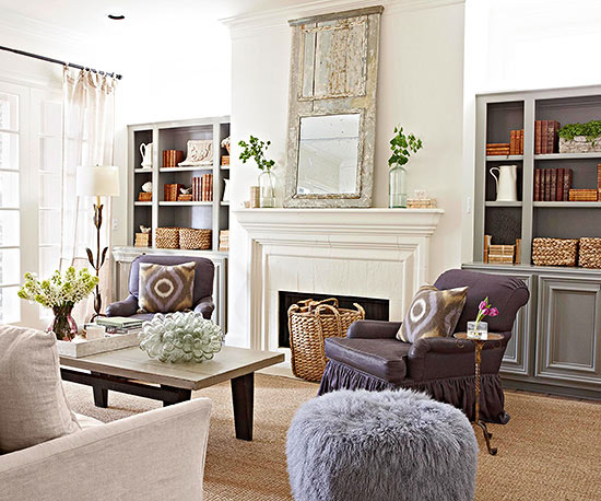 Some Traditional Style Fireplaces Downshift To A More Casual Level, Like In  Less Formal Family Spaces And Vacation Homes. In This Bright Living Room,  ...