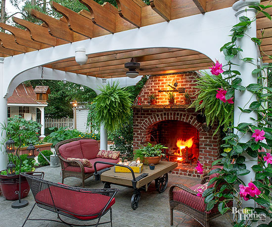 Add Interest To Your Yard With A Pergola