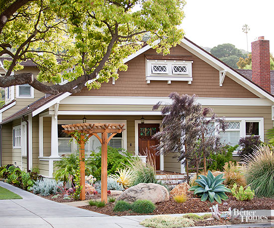 Creative curb appeal ideas for Craftsman landscape design ideas