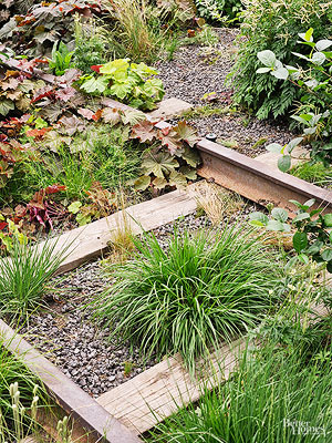 Are Railroad Ties Okay to Use to Construct Vegetable Gardens?