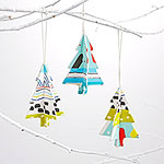 ' ' from the web at 'http://images.meredith.com/content/dam/bhg/Images/2015/11/13/LON_Ornament_102682075.jpg.rendition.smallest.150sq.jpg'