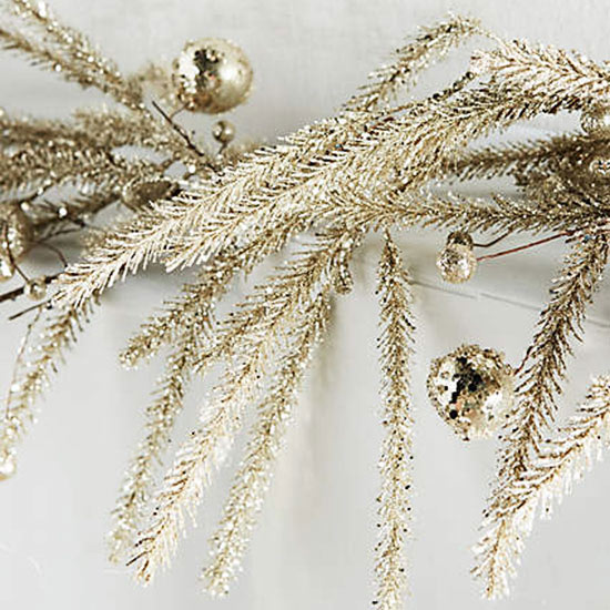 Instantly Festive: Garland for Indoors and Out