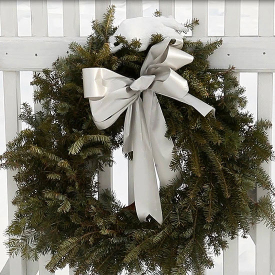 How to Hang a Christmas Wreath