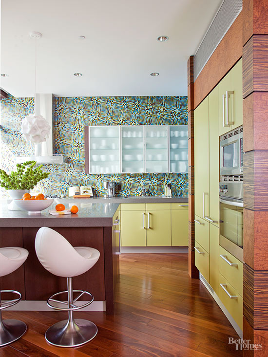 There Are A Plethora Of Cabinet Options You Can Use In Your Retro Kitchen  Design. Steel, Wood, Or Laminate Cabinets With Simple Flat Slab Doors Help  Ease ...