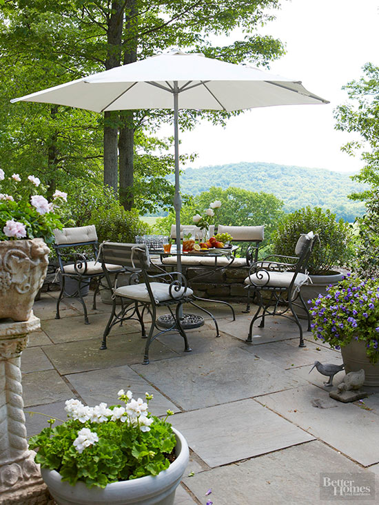 16 great patio ideas outdoorbeing for Great outdoor patio ideas