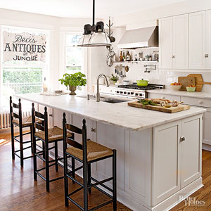 Secrets to Mixing Vintage Furnishings with Everyday Decor
