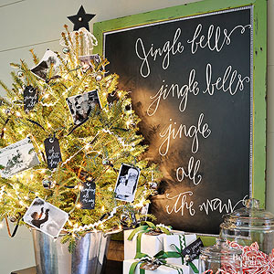 3 Must-Try Decorations for a Cheap Tabletop Christmas Tree