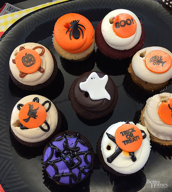Lazy Girl's Halloween Cupcakes (Shhh... They're Delivered!)
