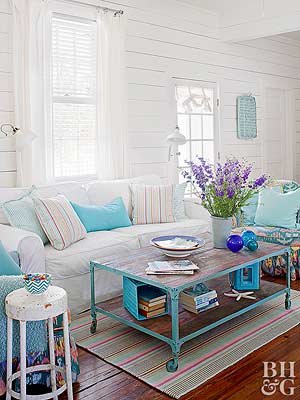living room decorating with garage sale finds decorating