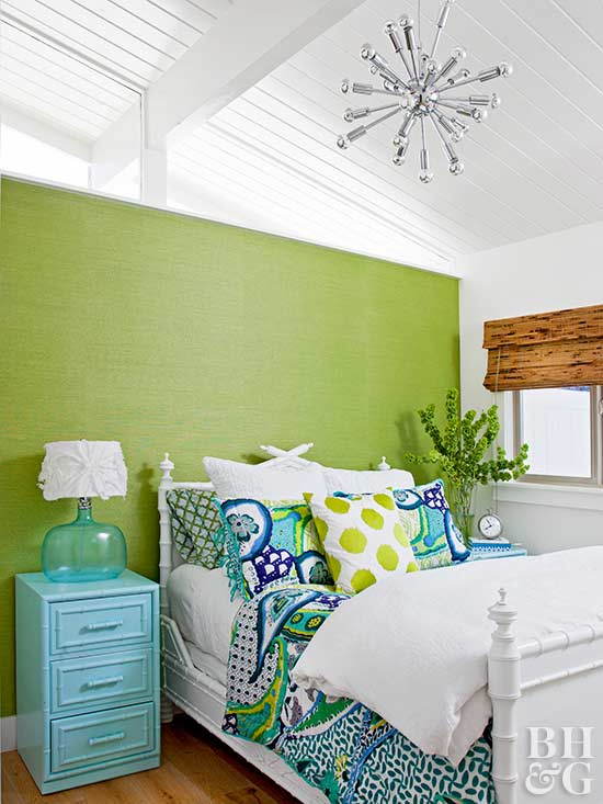 Decorate with pantone color of the year 2017 Bedroom wall colors 2017
