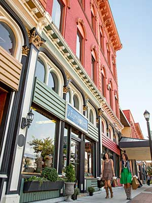 Girlfriend Getaway to Atchison and Leavenworth