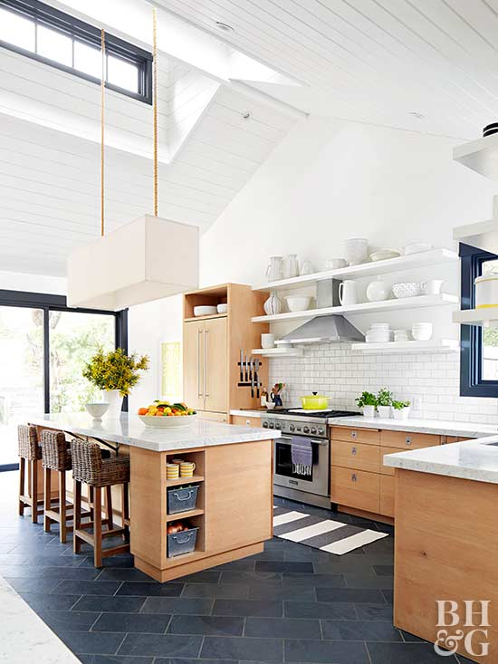 A Kitchen that Twists Classic and Contemporary