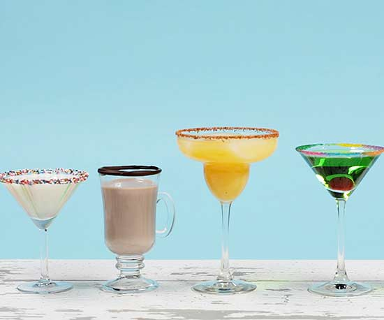 How to Decorate the Rim of a Cocktail Glass