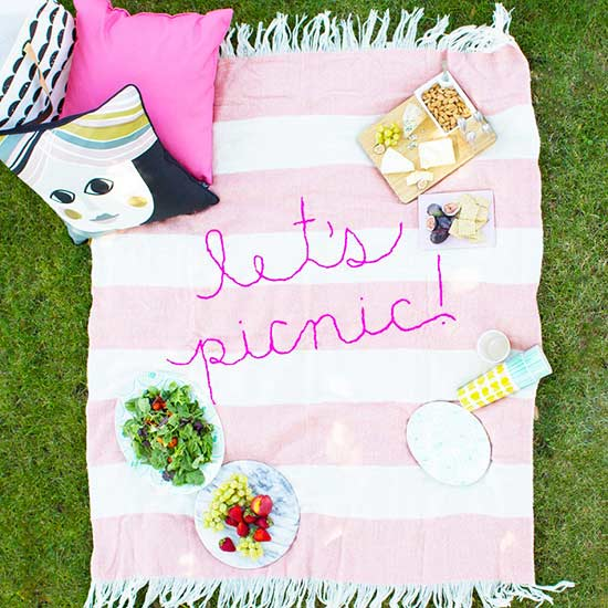 10 Reasons We're Obsessed with Picnicking