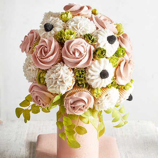 Stunning Cupcake Wedding Bouquet