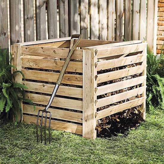 this very simple compost bin design boasts clean lines and works in a traditional or modern garden setting this bin from plow u0026 hearth is easy to fill