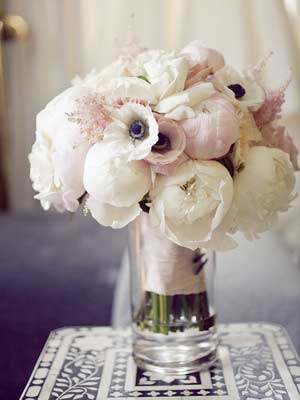 Peony Everything An Ode To Our Favorite Wedding Flower