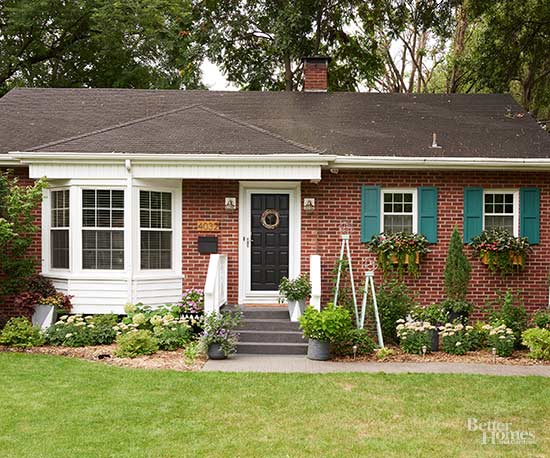 Diy weekend curb appeal makeover ideas for Home exterior makeover ideas