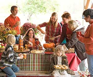 Your Mid-Size Family Reunion: A Planning Checklist