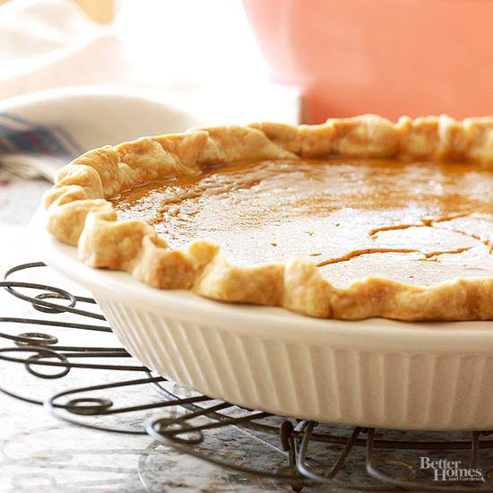 How to Avoid and Repair Cracked Pumpkin Pie
