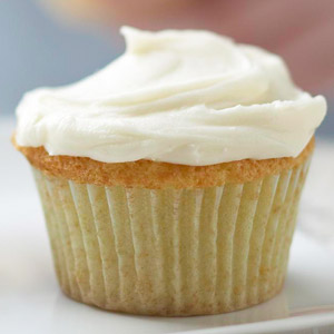 Simple White Cupcakes with Creamy Frosting