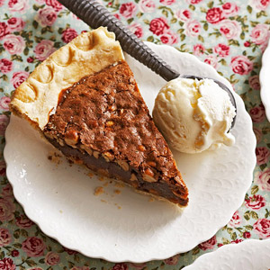Fudgy Caramel & Peanut-Butter Brownie Pie