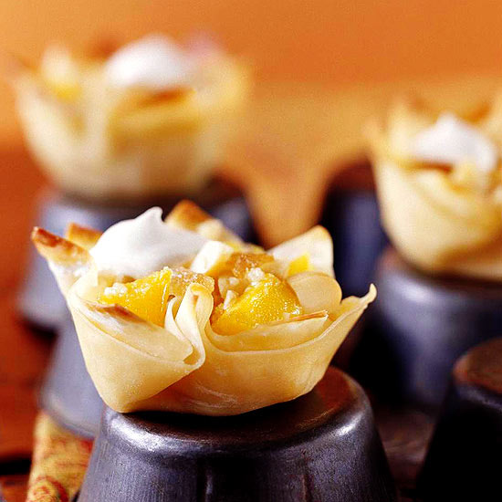 Gingered Mango-Pineapple Crisp in Crunchy Wonton Cups