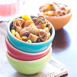 Chili-Corn Snack Mix