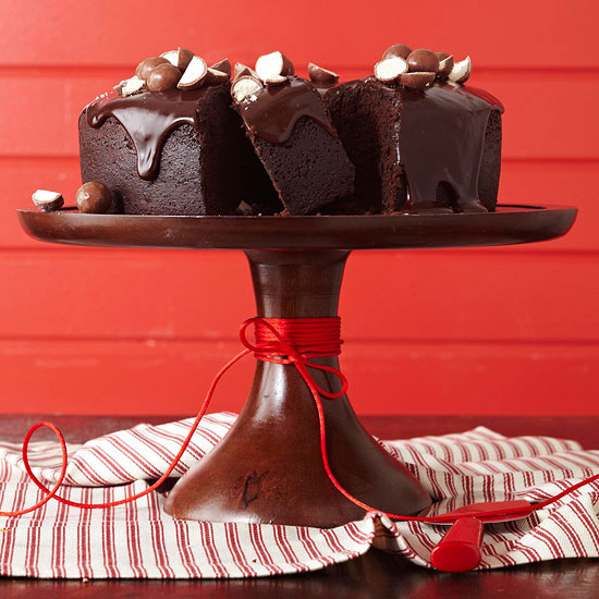 Chocolate Bundt Cake Decorating Ideas : Malted Chocolate Bundt Cake with Chocolate Glaze