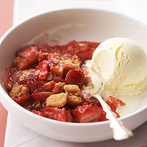 Grilled Strawberry-Rhubarb Crisp