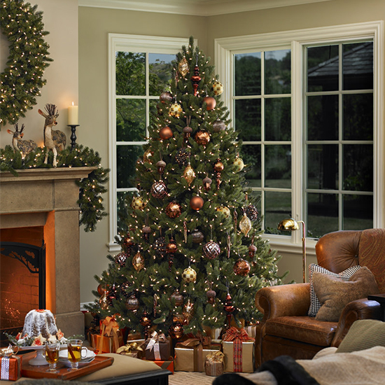 10 artificial christmas trees that look real for Holiday home garden design