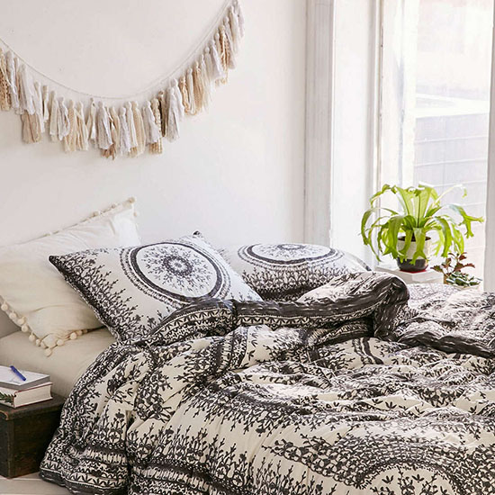 Deal of the Day: 50% Off this Gorgeous Urban Outfitters Medallion Comforter
