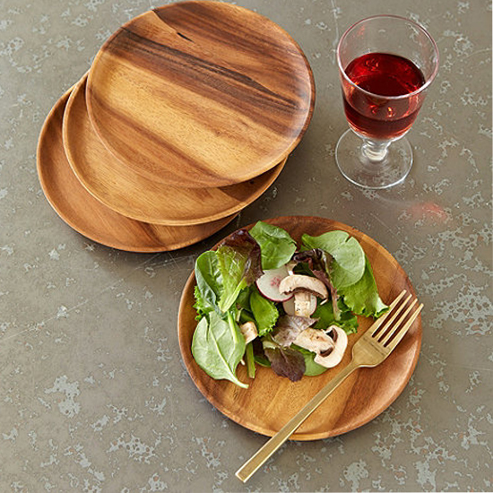 Deal of the Day: 40% Off Acacia Wood Plates