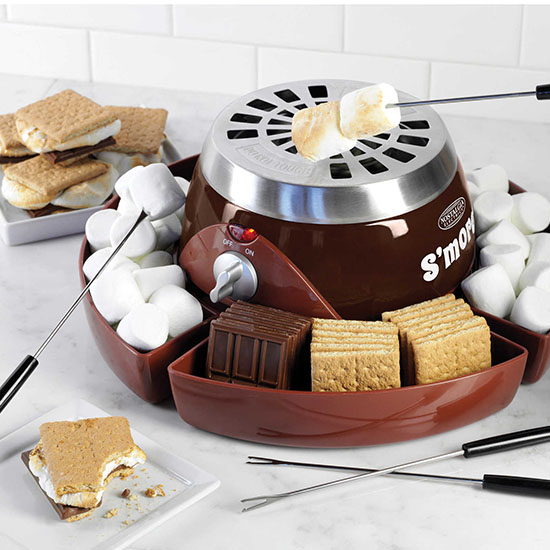 Deal of the Day: Nostalgia's $20 Electric Flameless S'more Maker