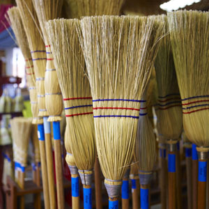 Mops and Brooms Buying Guide