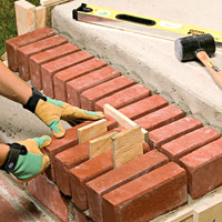 Set bricks with spacers