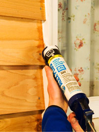 Caulk in smooth motion