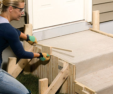 how to build forms for concrete stairs