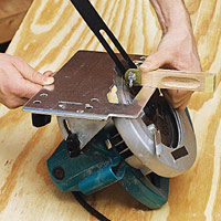 Transfer angle to circular saw