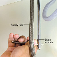 Tighten supply tube connection
