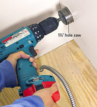 Drill with hole saw